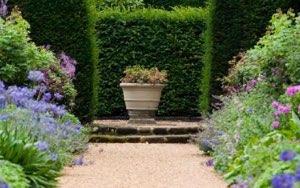 garden_urns_small